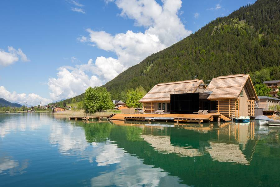 External view of the lake-spa Strandhotel am Weissensee